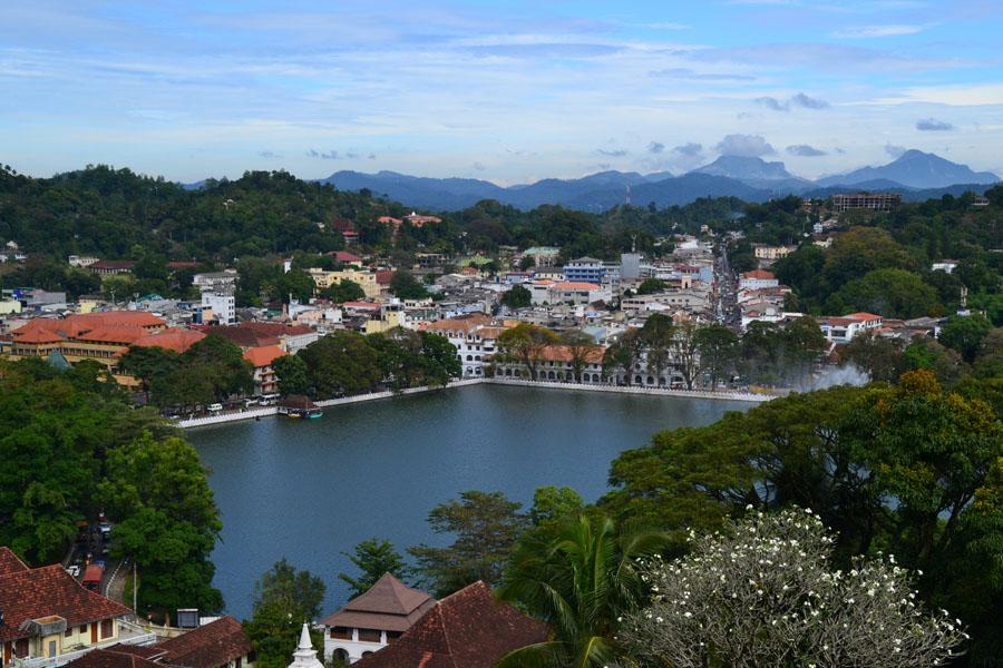 Kandy stad från ovan