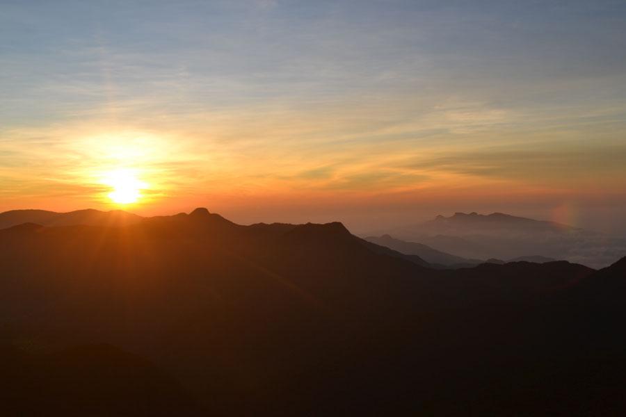 Ett berg i solnedgång